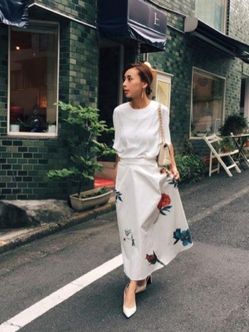 花柄アイボリースカート
