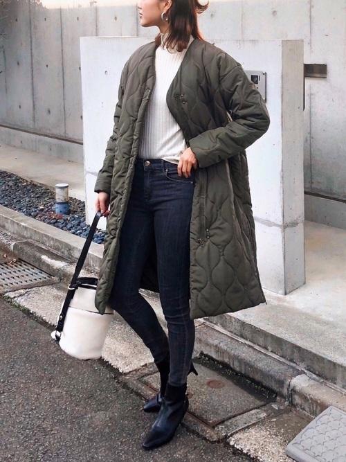 キルティングコートを使った30代のショートブーツコーデ