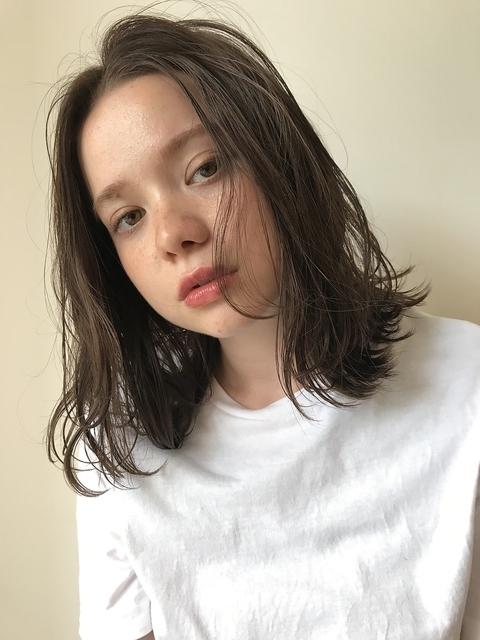 かきあげ前髪×外ハネウェット