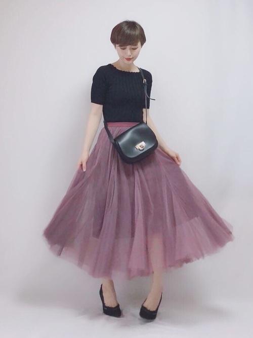 黒トップス×チュールスカート