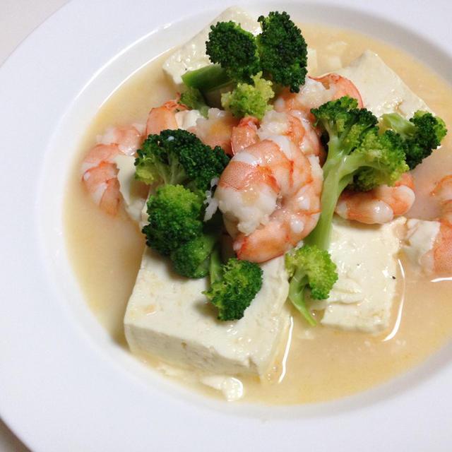 お豆腐と海老とブロッコリーのふんわり炒めのレシピ