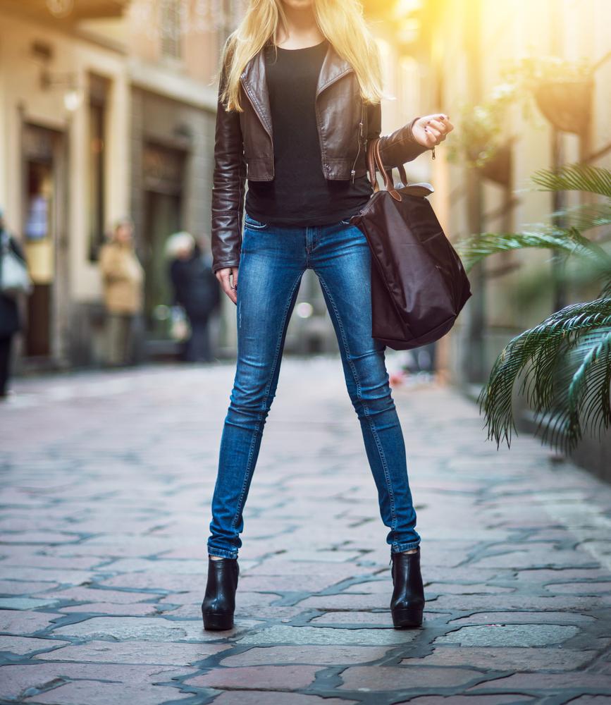 セレカジ系ファッションの女性
