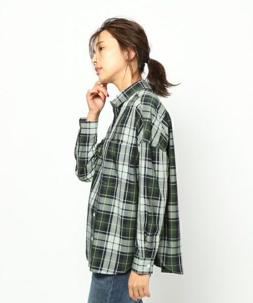タータンチェック柄のシャツ