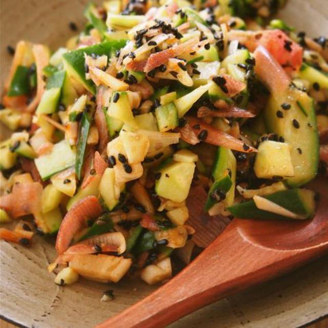 きゅうりとミョウガの韓国風サラダ