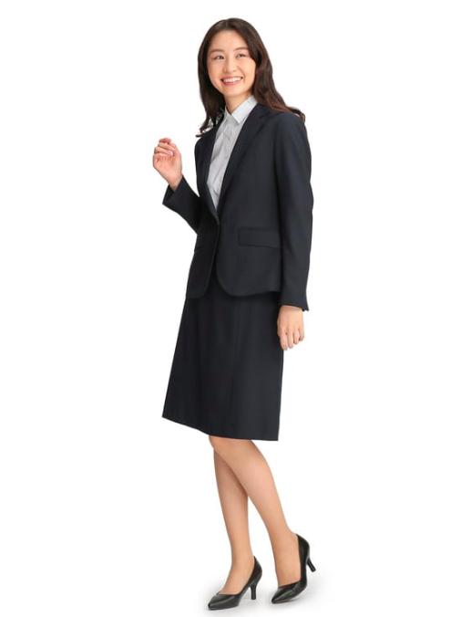 スーツを使ったパン屋の服装