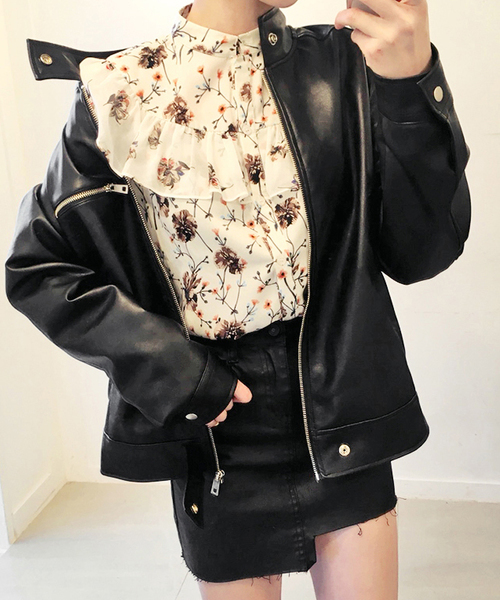 ライダース×スカートの秋コーデ