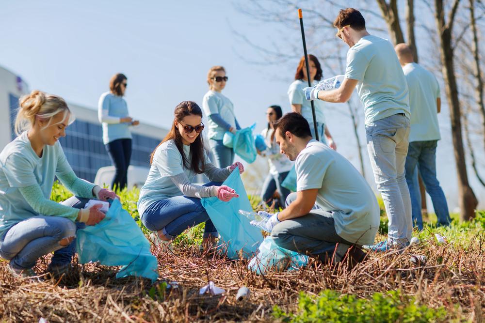 ボランティア活動をしている大学生