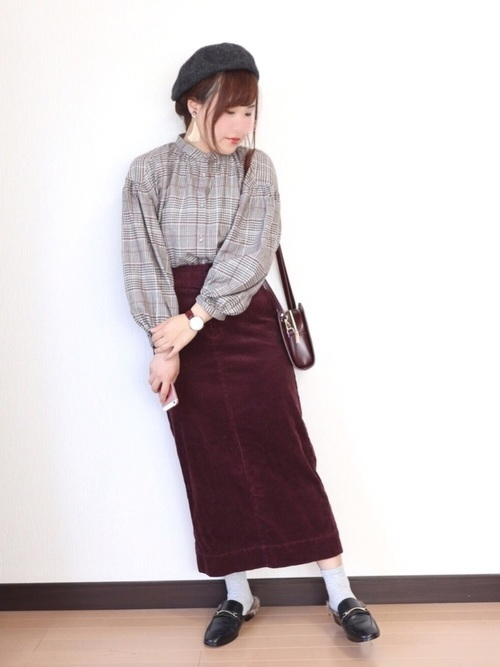 ブラウス×長めのタイトスカート
