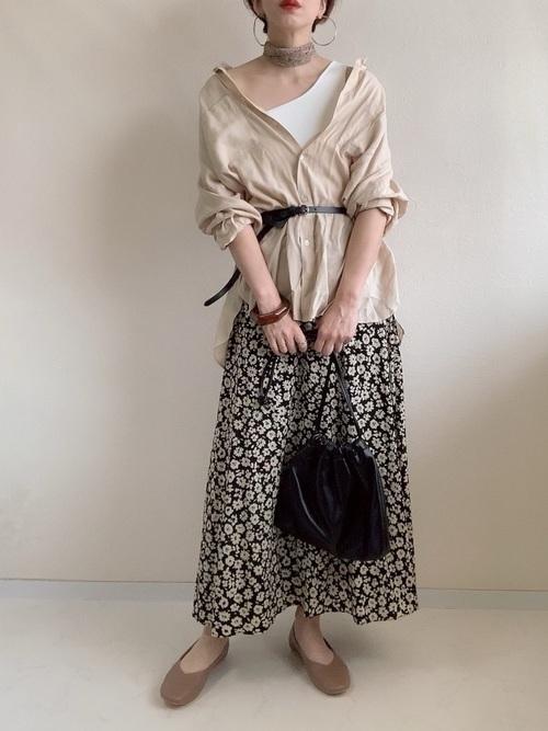 ロングスカートを使ったテニス観戦の服装