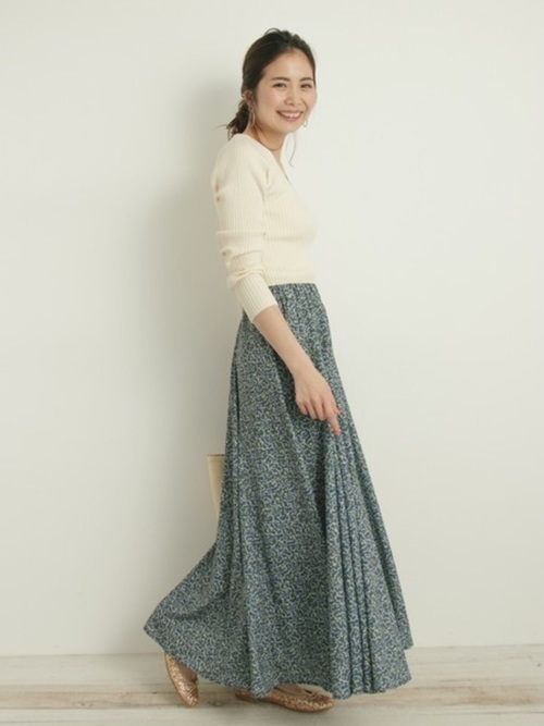 薄手ニットを使った宮崎の服装