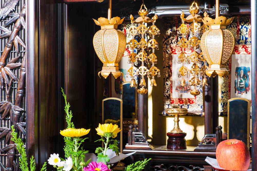 きれいに掃除された仏壇