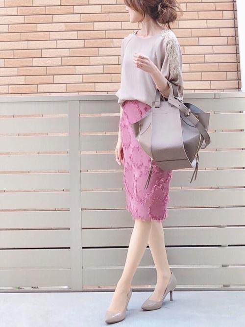 ジャガードタイトスカートの春コーデ