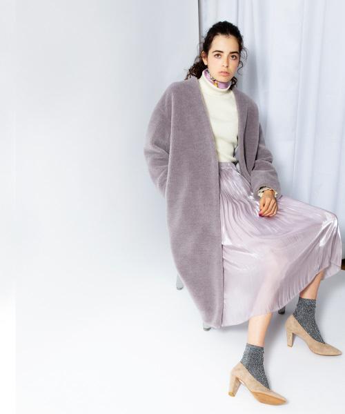 コート×スカート