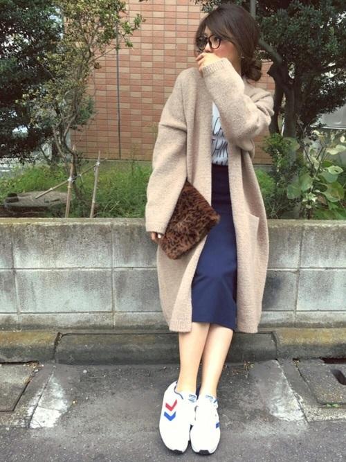 ニットコート×タイトスカート