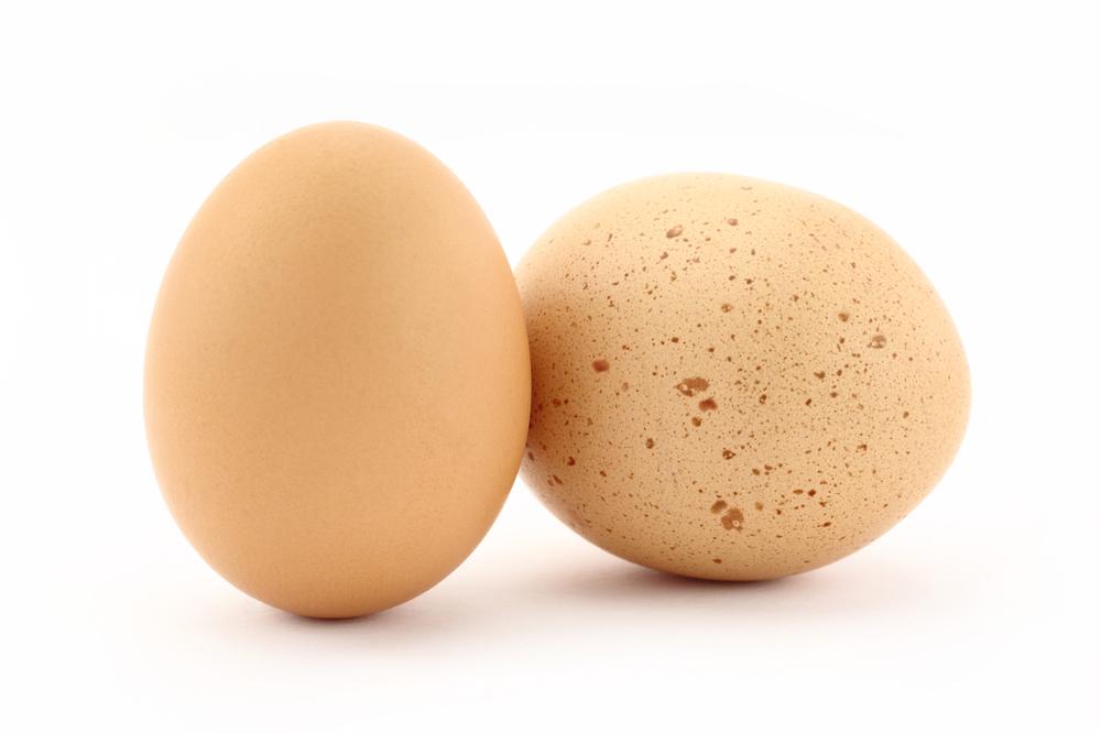 シミが付いたような卵の殻