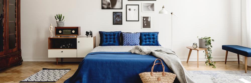 紺色を取り入れた部屋