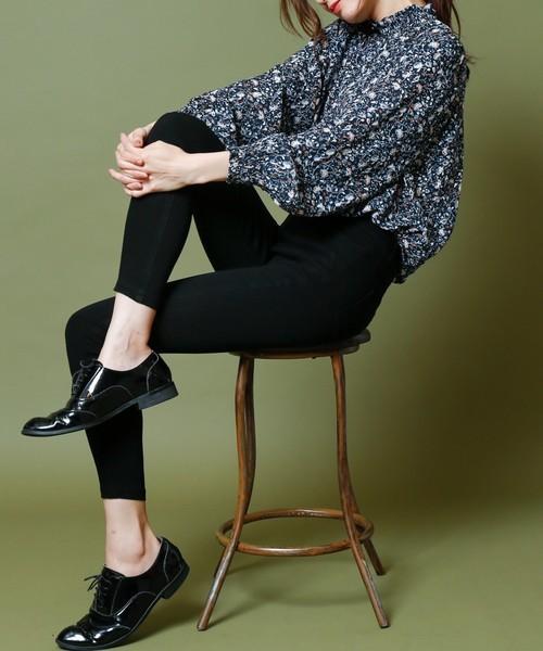 スキニーパンツと靴のコーデ、相性がいいのはどんな組み合わせ?
