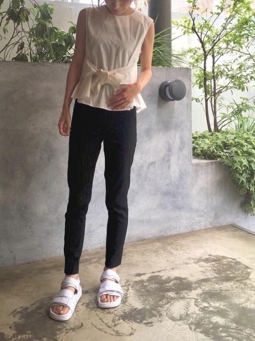 スキニーパンツと相性のいい靴【5】