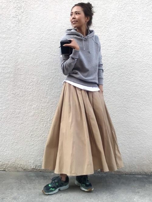パーカー×チノスカート