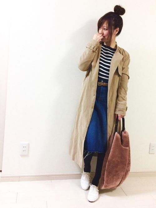 ロングコートと台形スカート