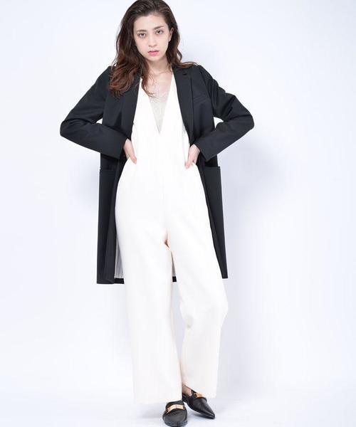 白のオールインワン×ジャケット