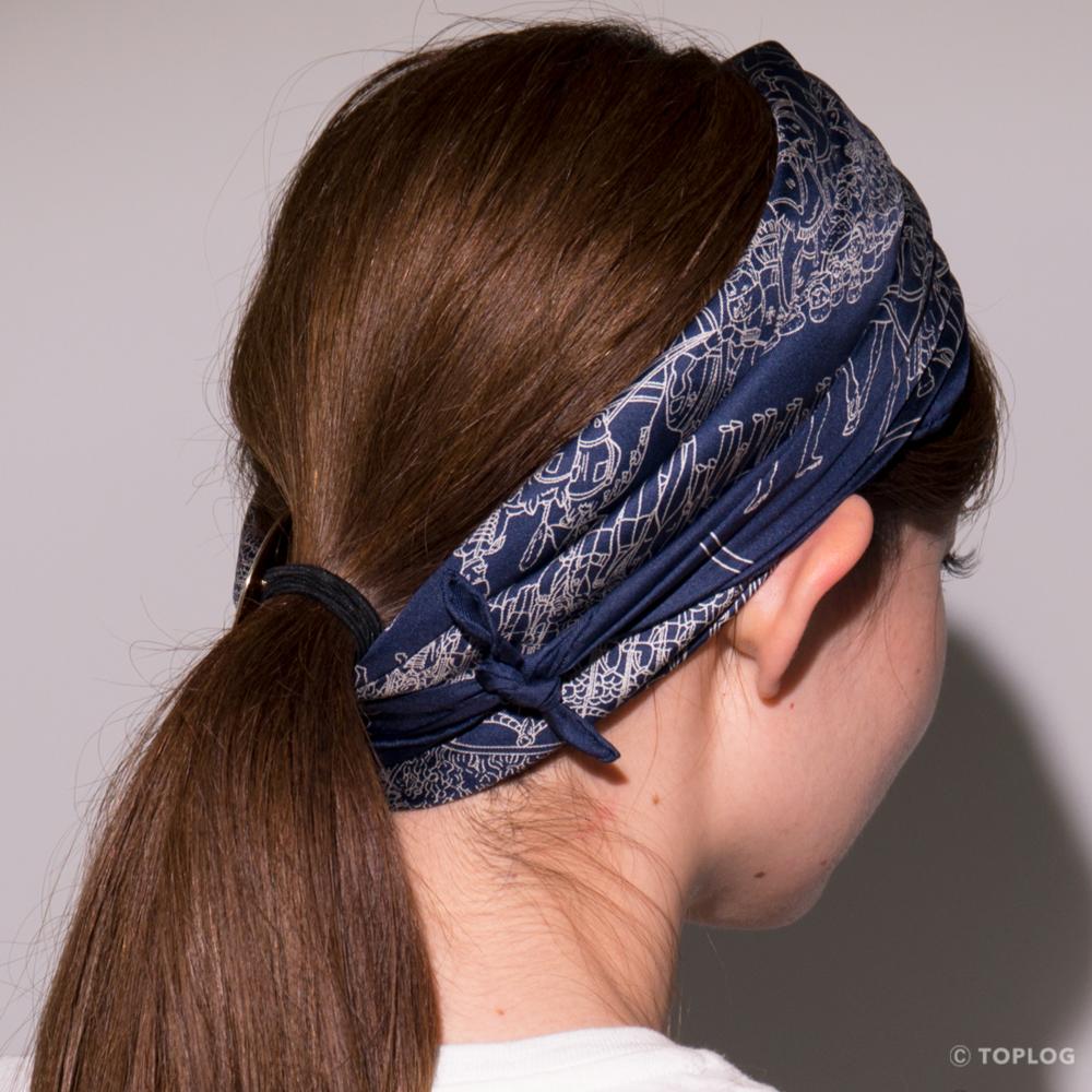 スカーフのヘアバンドづかい STEP02