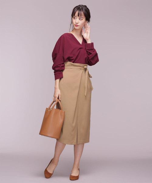 細身の女性に合うタイトスカートコーデ