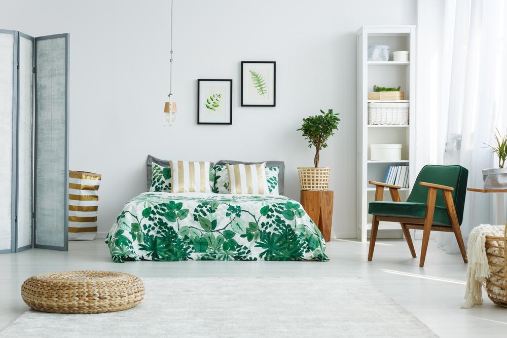 グリーンが基調の寝室