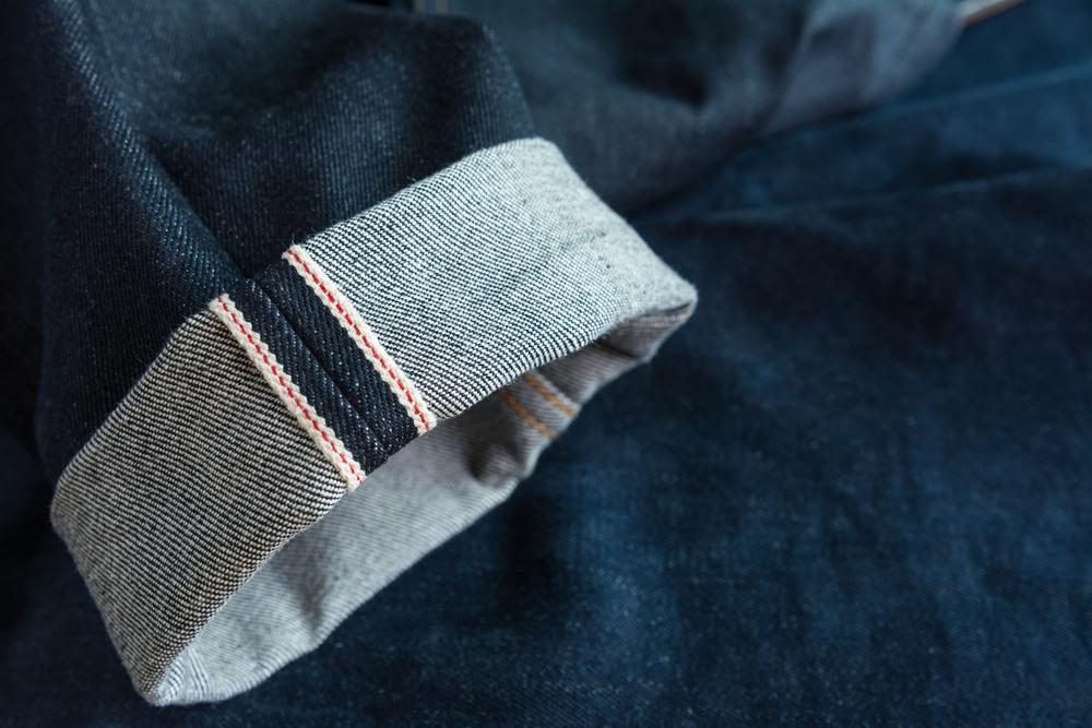 デニムの裾