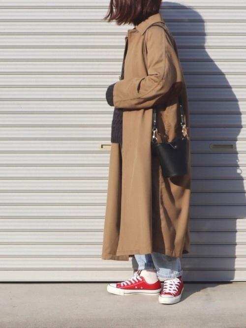 その他コートとスニーカーを使ったコーデ【3】ステンカラーコート