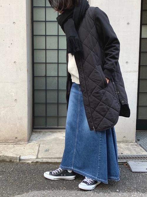 冬におすすめの40代のデニムスカートコーデ