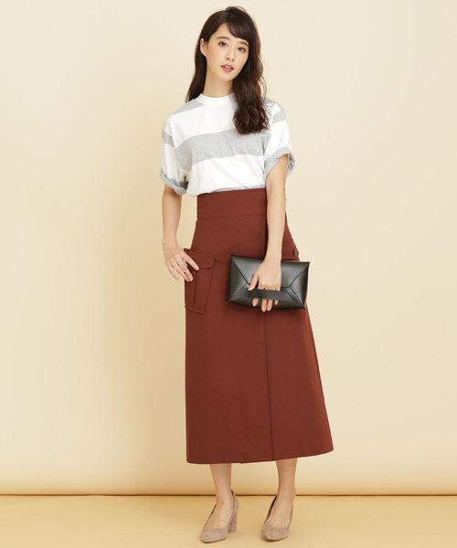 グレーボーダーTシャツのスカートコーデ