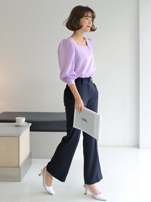 会社受付に適した20代の服装