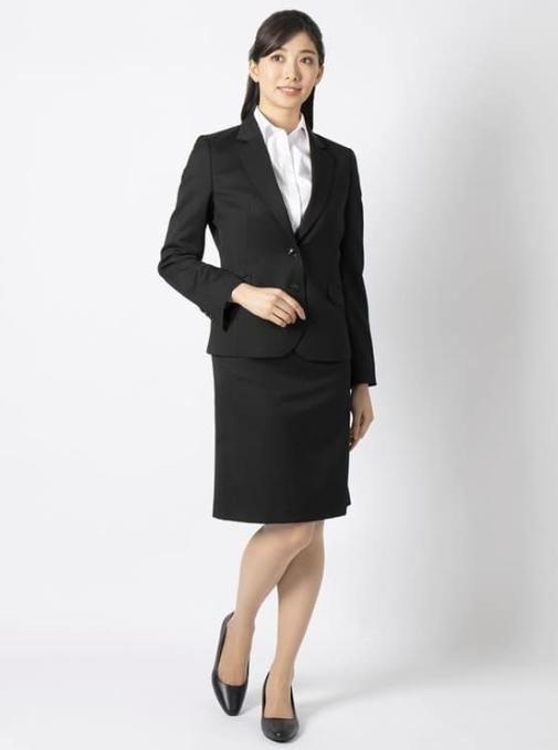リクルートスーツを使った内定式の服装