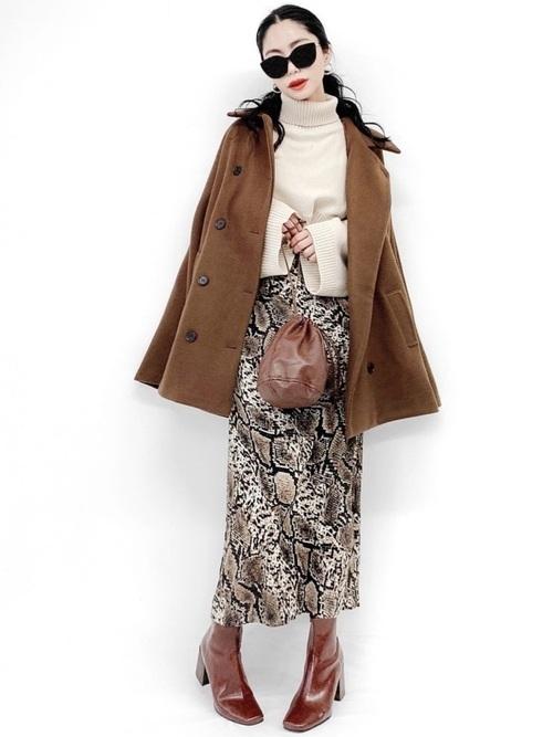 ポンチョコート×ロングタイトスカート