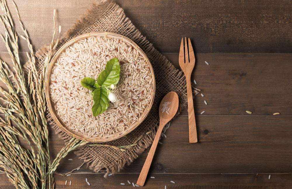 玄米とスプーン&フォーク