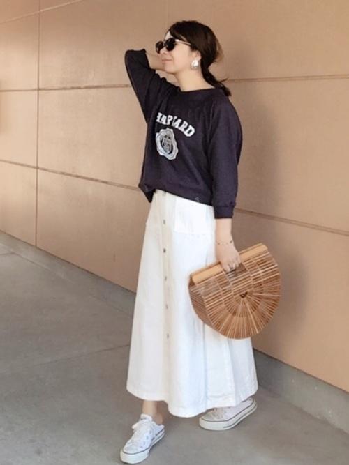 GUのホワイトデニムスカートを使った春コーデ