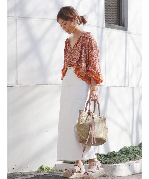 ホワイトデニムスカートを使った夏コーデ