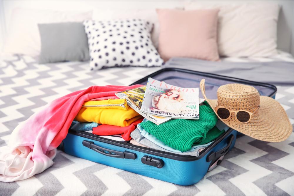 キャリーバッグと荷物