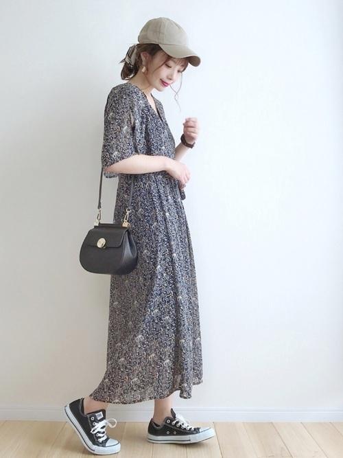 花柄ワンピースを使った名古屋の服装
