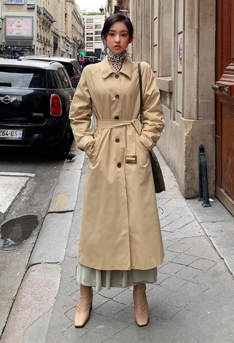 ロングスカートを使ったトレンチコートコーデ
