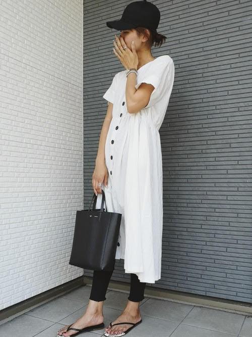 レギンスに合う靴を使ったコーデ【5】■夏■20~40代におすすめ:トングサンダル