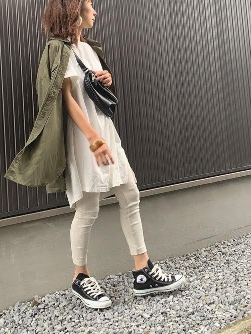 レギンスに合う靴を使ったコーデ【2】■春■30~40代におすすめ:ハイカットスニーカー