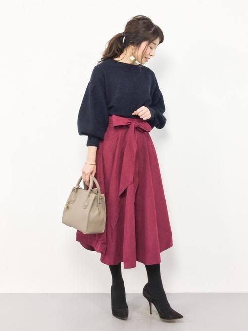 ネイビーニット×ピンクスカート