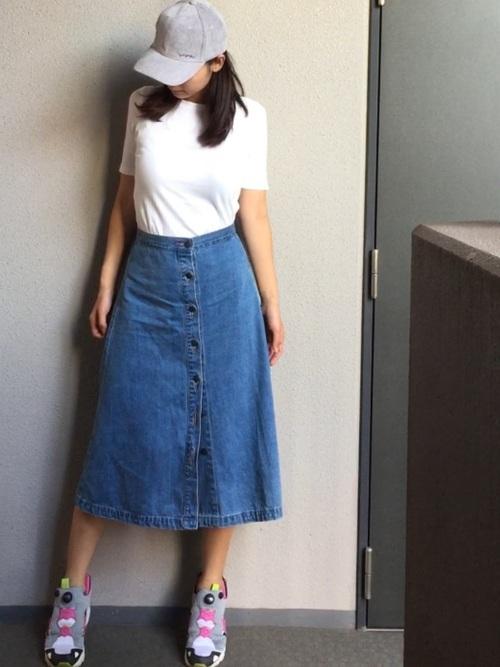 プチプラデニムスカート×Tシャツ