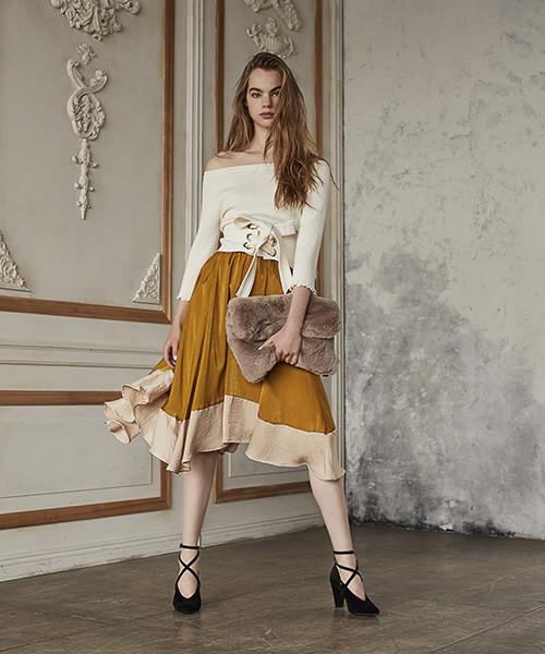 ロマンチックなバイカラーマスタード色スカート