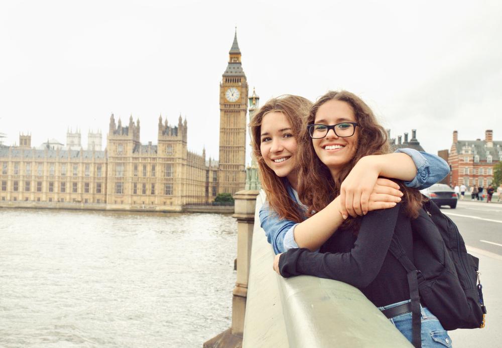 ロンドンの2人組の女性