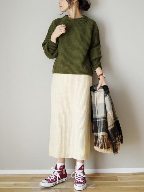 ニットセーター×ニットタイトスカート
