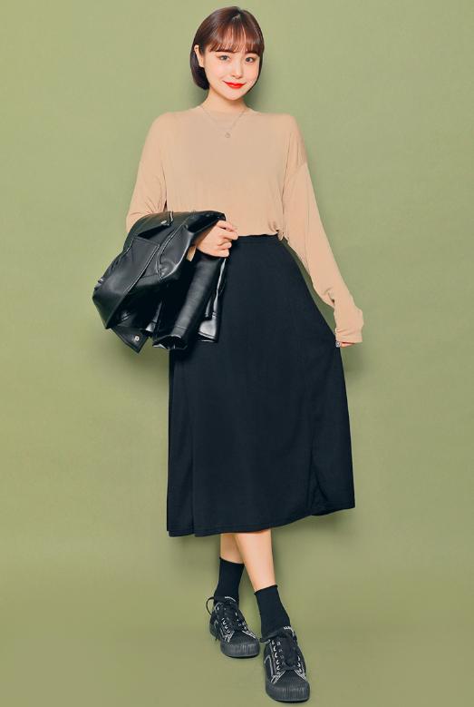 フレアスカートを使った旅の服装