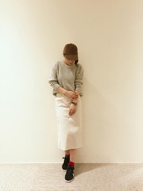 アランニット×タイトロングスカート